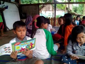 kegiatan membaca asyik